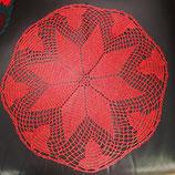 Häkeldeckchen, Rot mit Goldlurex, Durchmesser ca. 35 cm