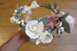 Couronne de fleurs -Cérémonie-. Blanche et ivoire.