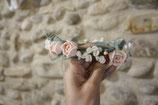 Couronne de fleurs -Cérémonie-. Ivoire et rose poudré
