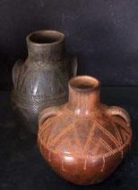 1.10 Vasos neolíticos incisos