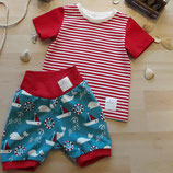 "Kindershirt ""Rot gestreift"" und Kinderhose (kurz) ""Maritime"" aus der BIO-Kollektion ""Maritime Summer"""