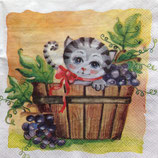 Cat with grapes ペーパーナプキン