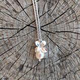 NEU Flieder Blüten Anhänger mit Perle