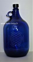 Bouteille en verre bleu cobalt 5 L gravée avec Fleur de vie (Modèle 2) et Mots sacrés
