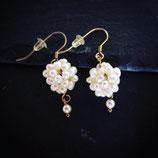 Ohrringe mit Perlenkugel
