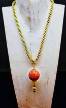 Kugel aus Goldfluss ( synthetischer Edelstein aus dem Mittelalter)