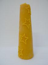 Konische Kerze mit Sternen