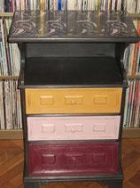 Petite meuble shabby coloré