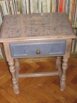 Grande table de nuit avec tiroir  ou petit meuble d'appoint