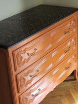 Commode orange/noir/cuivre et ses tiroirs gainés