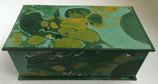 Cofanetto in carta marmorizzata con i colori del bosco