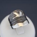 "Ring ""Kranich"" aus sulfiertem 925-Sterlingsilber"