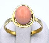 Damenring aus 333-Gelbgold poliert mit Echtkoralle rosa 002/KO/GG/333