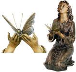 Offrante avec papillon - Bronze
