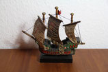 klein alt Modellschiff Segelschiff Santa Maria Dreimaster Holz