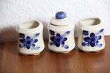 kleine Dosen / Gefäße cremeweiß mit blauen Blumen