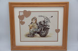 Rico Design fertig gestickt Stickbild Mädchen Motorad Holzrahmen