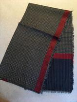 Echarpe rouge ou bleue