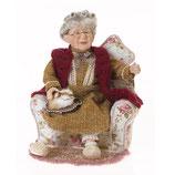 Porzellan-Puppe, Oma im Sessel, 32 x 32 x 33 cm