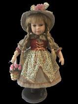 Porzellan-Puppe, Hut & Blumenkorb, 42 cm, Holzständer