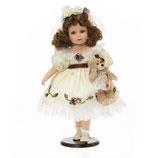 Porzellan-Puppe, creme Kleid & Teddy, 48 cm, Holzständer