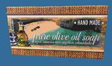 Handgemachte Olivenölseife mit Peelingeffekt