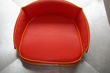 Fahrer - Sitzkissen,  rot / Keder gelb, bestickt
