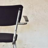 Diverse vintage modellen buisframe stoelen.