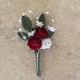 """Hochzeitsanstecker """"Perlherz mit roten Rosen"""""""
