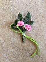 """Hochzeitsanstecker """"rosa Rosen mit grünen Band"""""""