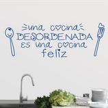 Cocinas - Cocina desordenada y feliz
