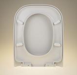 WC Sitz mit Absenkautomatik / Soft Close und Eckig Form