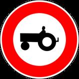 """B9d """"Accès interdit aux véhicules agricoles à moteur"""""""