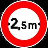 """B11* """"Accès interdit aux véhicules ayant une largeur, chargement compris, supérieure à celle indiquée"""""""