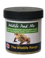 Una mezcla de insectos, pellets y escamas para usar en estanques de vida silvestre, para ranas, sapos, tritones y renacuajos