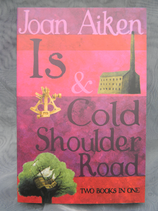 "Doppelband ""Is"" und ""Cold Shoulder Road"""