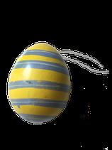 Vrolijke hang eieren geel en blauw
