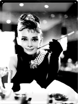 Audrey Hepburn Zigarillo