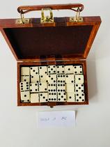 Dominosteine im Lederköfferchen