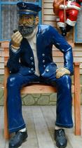 30110 Kapitän auf Bank Figur lebensgroß Maritime Figur