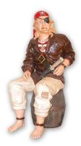 14112 Pirat Figur lebensgroß sitzt auf Fass