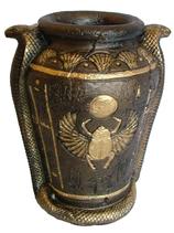 RIC285 Ägyptische Figur Vase