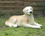 90034 Golden Retriver Hund Figur lebensgroß liegt