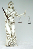 1057VH Justizia Figur lebensgroß