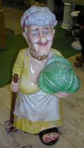 RIPO85 Oma Figur mit Blumenkohl