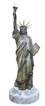 RI19H43 Freiheitsstatue Figur auf Sockel beleuchtet lebensgroß