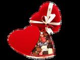 Leonidas boîte coeur de velour rouge . Idéal pour un cadeau Saint Valentin !