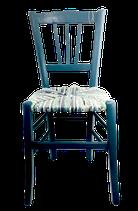 Chaise paillée en torons de tissus. Collection Mers. Bois Bleu pétrole mat.