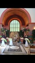 Paravan - eine stilvolle Hintergrunddekoration für Trauerfeiern