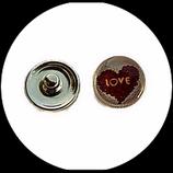 Bouton snap chunk en métal argenté coeur Love fond blanc et rose pour bijoux personnalisables
